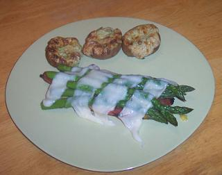 Click image for larger version  Name:dinner.jpg Views:149 Size:41.0 KB ID:1007