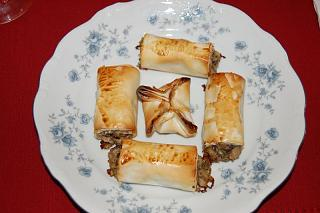 Click image for larger version  Name:Mushroom Pastry.jpg Views:264 Size:50.6 KB ID:10103