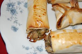 Click image for larger version  Name:Mushroom pastry 3.jpg Views:270 Size:45.7 KB ID:10105