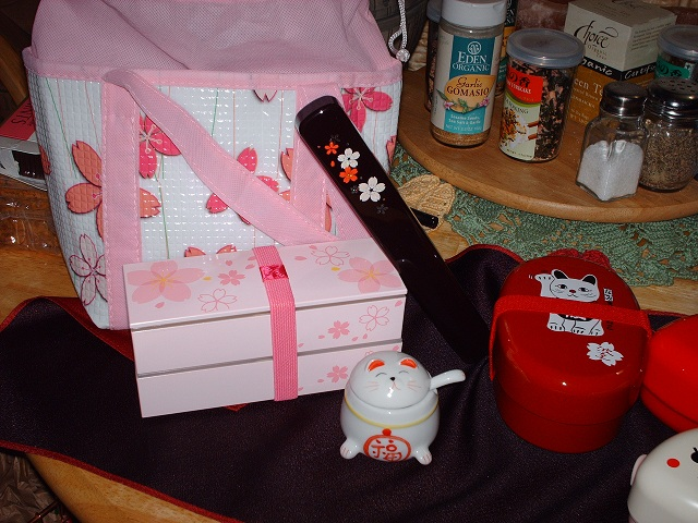 Click image for larger version  Name:bento boxes 001.JPG Views:102 Size:160.3 KB ID:10444