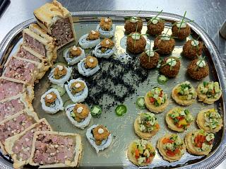 Click image for larger version  Name:Silver Platter banquet plate with food- Duck Pate en Croute, Crab Cakes, Vegetarian Sushi, Scall.jpg Views:1480 Size:119.3 KB ID:10639
