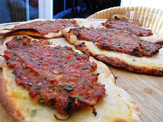 Click image for larger version  Name:Lahmacun.jpg Views:443 Size:121.0 KB ID:13620