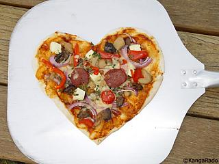 Click image for larger version  Name:Love_heart_shaped_PIZZA.jpg Views:148 Size:83.8 KB ID:1443