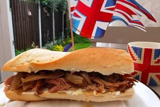 Click image for larger version  Name:Pulled Pork butty.JPG Views:200 Size:33.7 KB ID:14956