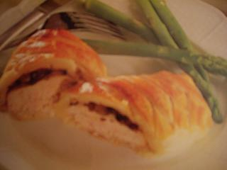 Click image for larger version  Name:chicken stuffed.jpg Views:192 Size:31.3 KB ID:15004
