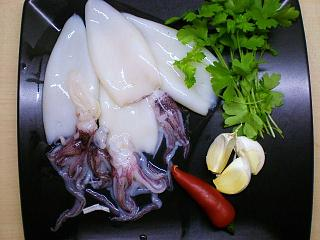 Click image for larger version  Name:STUFFED SQUID 001.JPG Views:180 Size:92.6 KB ID:15415