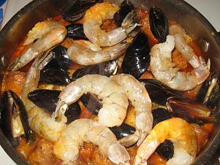 Click image for larger version  Name:7shrimp and mussels.jpg Views:204 Size:110.5 KB ID:17737