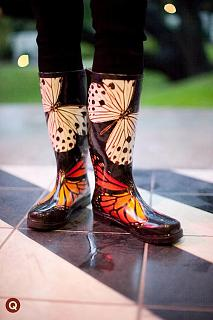 Click image for larger version  Name:butterfly_rain_boots-tm.jpg Views:123 Size:32.3 KB ID:17829