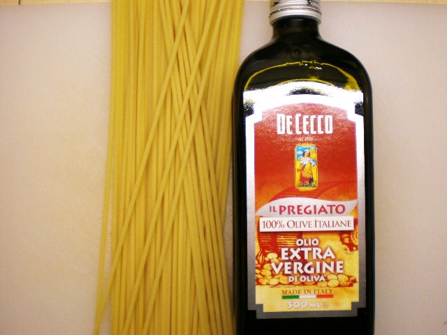Click image for larger version  Name:BUCCATINI & PRAWNS 002.JPG Views:104 Size:83.4 KB ID:18887