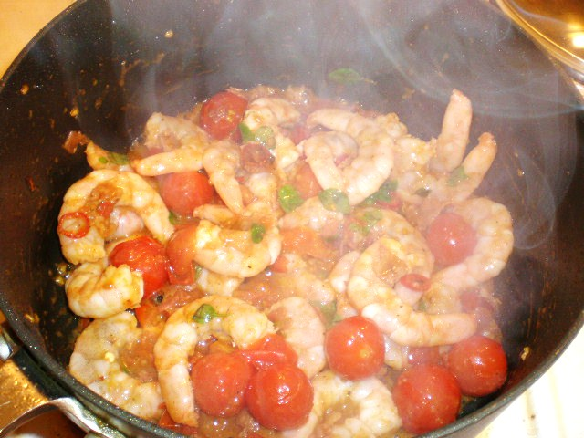 Click image for larger version  Name:BUCCATINI & PRAWNS 006.JPG Views:111 Size:98.4 KB ID:18891