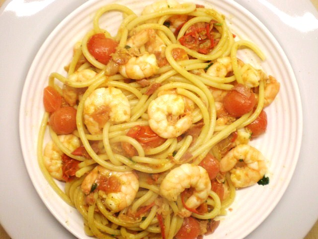 Click image for larger version  Name:BUCCATINI & PRAWNS 008.JPG Views:111 Size:92.3 KB ID:18893