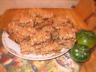Click image for larger version  Name:Green Tomato Oatmeal Bars.JPG Views:155 Size:124.0 KB ID:2095