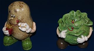Click image for larger version  Name:KitchenStatues.jpg Views:142 Size:32.3 KB ID:23882