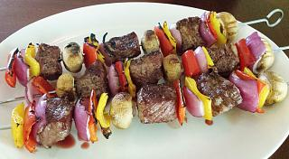 Click image for larger version  Name:grilled rib eye and veggie 'kabobs.jpg Views:95 Size:57.8 KB ID:25032