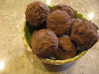Click image for larger version  Name:truffles 008.JPG Views:145 Size:25.9 KB ID:2760