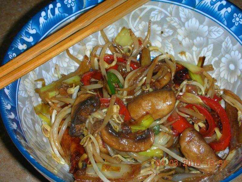 Click image for larger version  Name:Chicken Stir Fry 18.03.04.jpg Views:11 Size:96.6 KB ID:29320