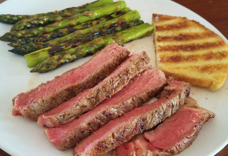 Click image for larger version  Name:grilled ribeye, asparagus, and sourdough.jpg Views:26 Size:70.8 KB ID:30042