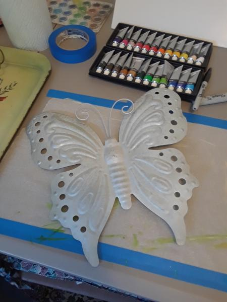 Click image for larger version  Name:Butterfly.jpg Views:44 Size:33.7 KB ID:31337