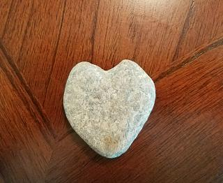 Click image for larger version  Name:rock heart1.jpg Views:83 Size:63.9 KB ID:31340