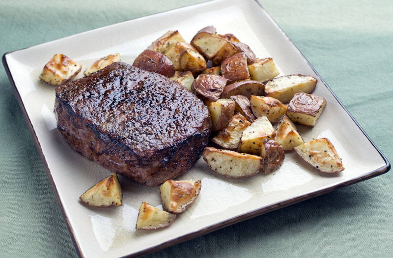 Click image for larger version  Name:SteakTaters001.jpg Views:41 Size:145.4 KB ID:31483