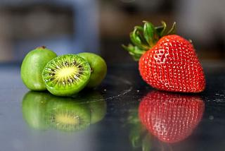 Click image for larger version  Name:kiwi-berries.1024x1024.jpg Views:35 Size:28.3 KB ID:31889
