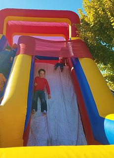 Click image for larger version  Name:bouncy slide at the festival.jpg Views:70 Size:34.9 KB ID:32033