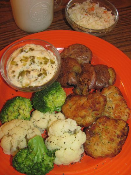 Click image for larger version  Name:Crab Cakes.jpg Views:13 Size:45.4 KB ID:32629
