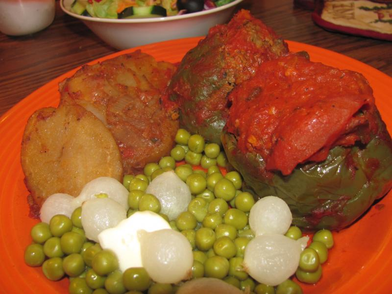 Click image for larger version  Name:Stuffed Peppers.jpg Views:16 Size:60.7 KB ID:32815