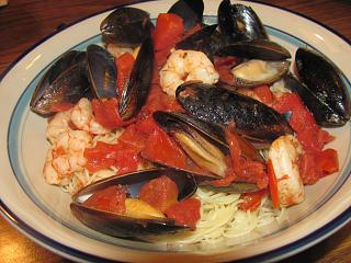Click image for larger version  Name:Mussels & Shrimps in Tomato-Garlic Broth -Angel Hair.jpg Views:14 Size:73.6 KB ID:32976