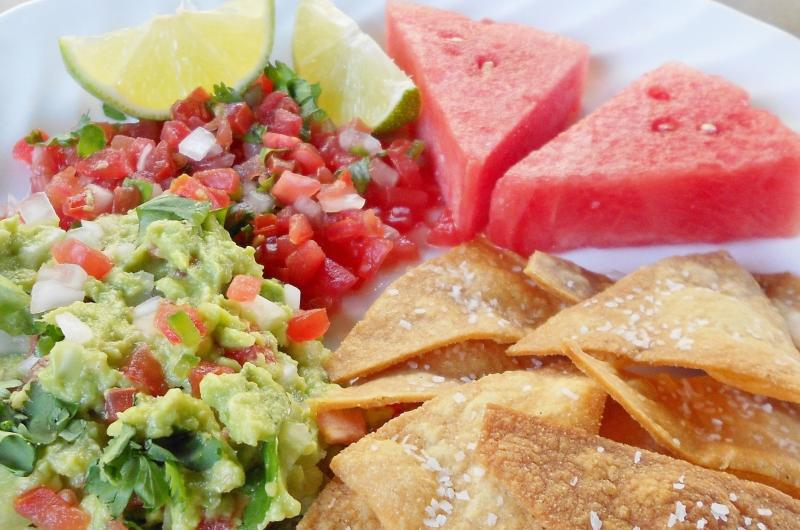 Click image for larger version  Name:guacamole and salsa.jpg Views:19 Size:72.3 KB ID:33287