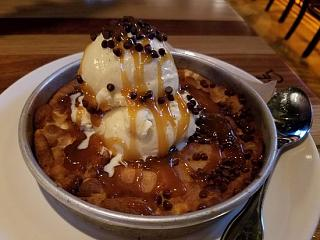 Click image for larger version  Name:salted-caramel-pizookie.jpg Views:74 Size:46.2 KB ID:33355