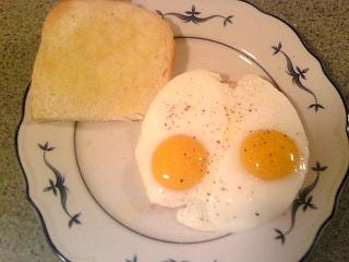 Click image for larger version  Name:eggs and toast.jpg Views:194 Size:55.0 KB ID:3359
