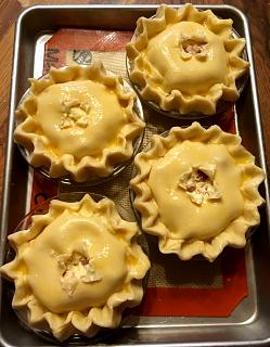 Click image for larger version  Name:uncooked_meat_pies_042019_2_IMG_5595.jpg Views:15 Size:46.3 KB ID:34556