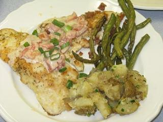 Click image for larger version  Name:Dinner.jpg Views:124 Size:28.7 KB ID:3458