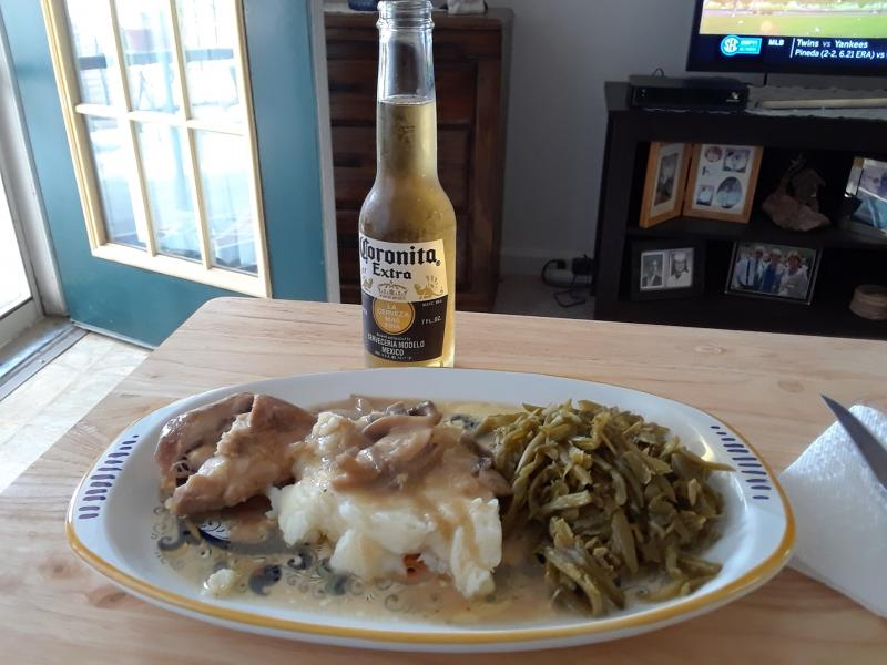 Click image for larger version  Name:IP Chicken with gravy.jpg Views:12 Size:61.8 KB ID:34714