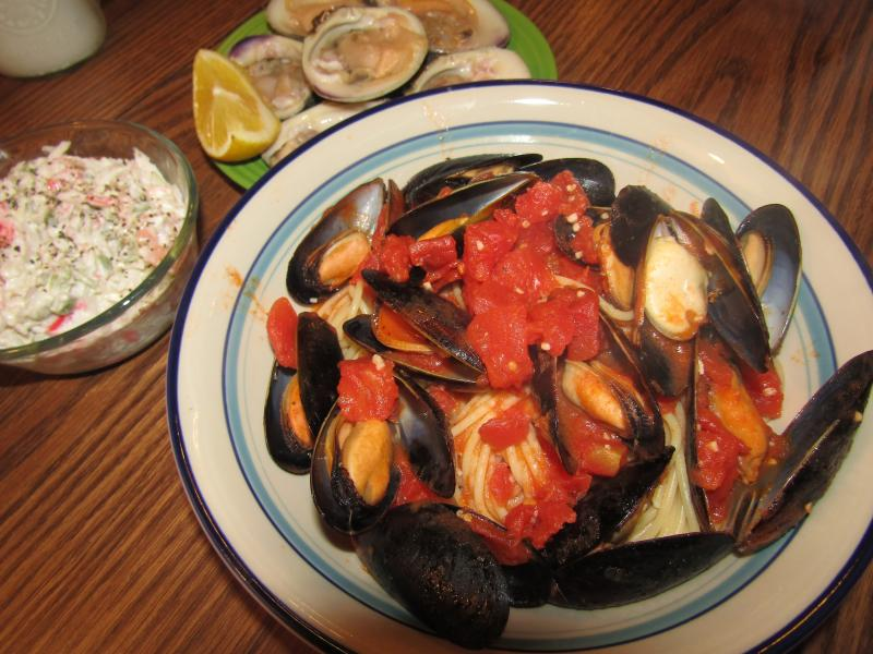 Click image for larger version  Name:Mussels over Psta.jpg Views:13 Size:80.3 KB ID:34738