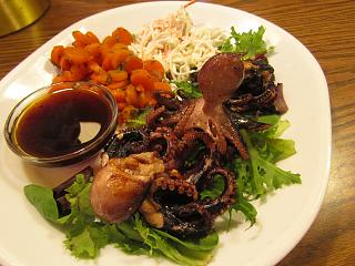 Click image for larger version  Name:Octopus, Grilled.jpg Views:57 Size:70.8 KB ID:35364