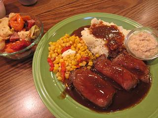 Click image for larger version  Name:Roast Beef & Mash.jpg Views:31 Size:71.9 KB ID:35415