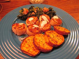 Click image for larger version  Name:Seared Scallops, Horsey Sauce, Air-Baked Yam, Collards.jpg Views:23 Size:74.6 KB ID:36566