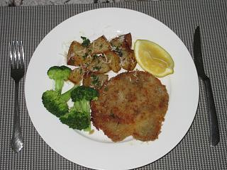 Click image for larger version  Name:IMG_8795 Pork Cutlets with oven-roasted potatoes.jpg Views:14 Size:80.6 KB ID:36651