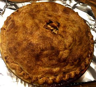 Click image for larger version  Name:apple_pie_baked_122319_IMG_6533.jpg Views:36 Size:131.1 KB ID:37935