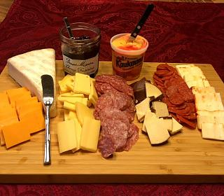 Click image for larger version  Name:meat_cheese_plate_122519_IMG_6549.jpg Views:84 Size:97.2 KB ID:37963