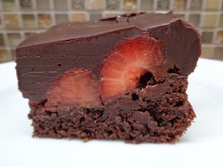 Click image for larger version  Name:Best Chocolate Covered Strawberry Brownies1.jpg Views:17 Size:199.0 KB ID:38636