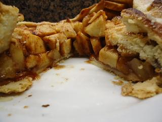 Click image for larger version  Name:Best Apple Pie1.jpg Views:18 Size:118.7 KB ID:38638