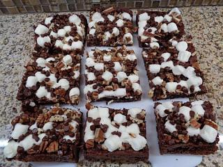 Click image for larger version  Name:Best Rocky Road Brownies.jpg Views:18 Size:62.0 KB ID:38649