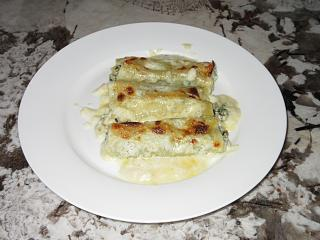 Click image for larger version  Name:IMG_9358Served baked canneloni.jpg Views:13 Size:53.9 KB ID:38944