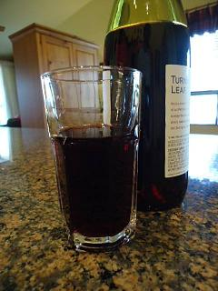 Click image for larger version  Name:cheers red wine.jpg Views:16 Size:35.7 KB ID:39198