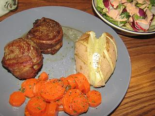 Click image for larger version  Name:Filets, Bacon-Wrapped.jpg Views:26 Size:73.2 KB ID:39513
