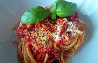 Click image for larger version  Name:Spaghetti-with-tomato-sauce-.jpg Views:186 Size:62.2 KB ID:39789
