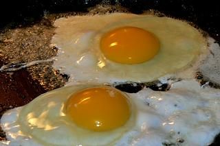 Click image for larger version  Name:fried_eggs_060211_1_P1080528.JPG Views:26 Size:109.5 KB ID:41147